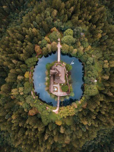 Drone luchtbeeld van een kasteel