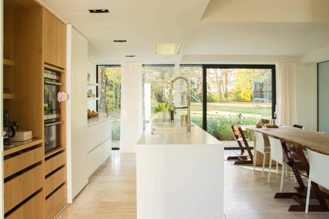 Interieur foto grote keuken in een villa