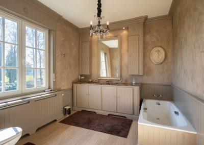 interieur landelijke badkamer