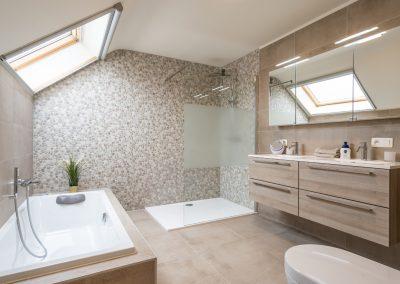 oude baan roosbeek_interieur van badkamer