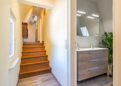 steenweg gang en badkamer